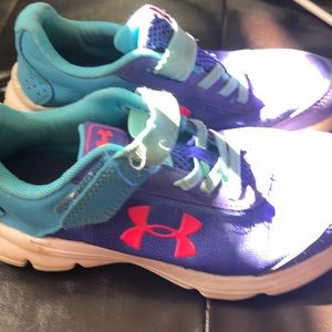 ~ 2 for $15 ~ Girls UA running shoes